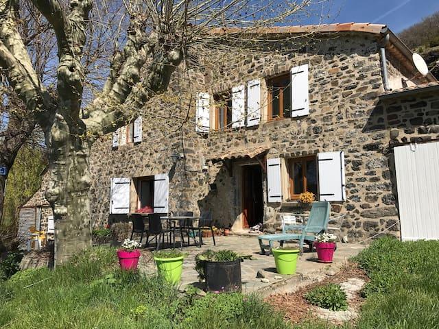 Grande et belle maison ardéchoise - Saint-Pons - บ้าน
