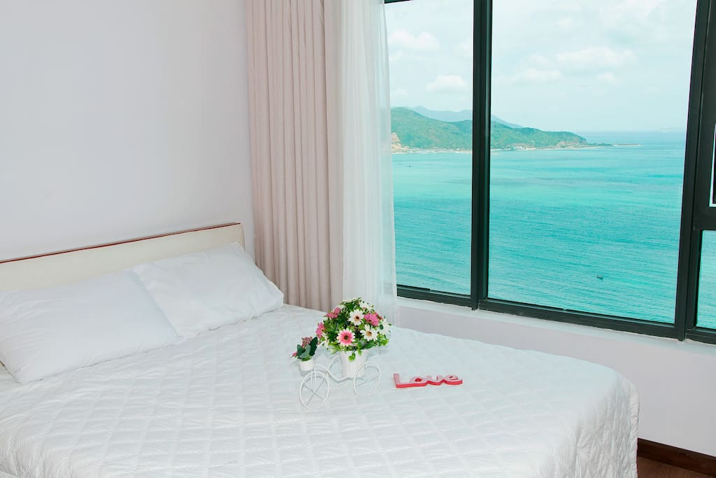 Main Bedroom Directly Seaview