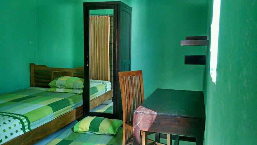Rooms close to airport n train stat - Semarang  - Casa