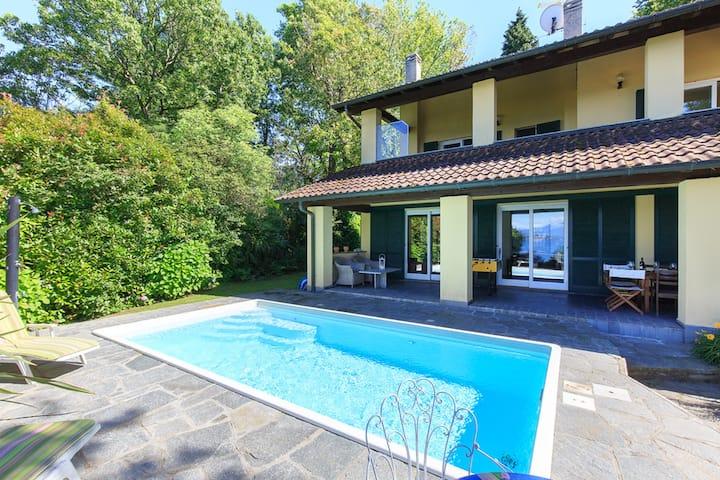 Sunlit villa with private pool! Villa La Pastorale