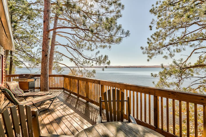Lakefront Escape for Families or Couples