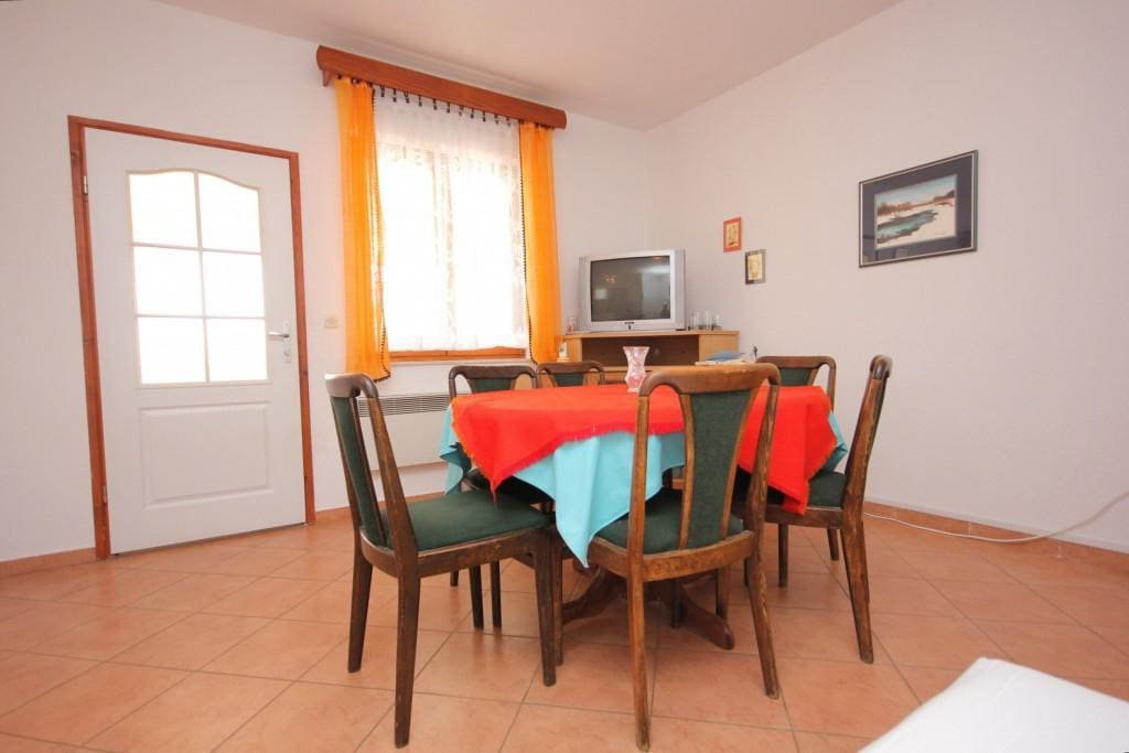Dining room 1, Surface: 16 m²