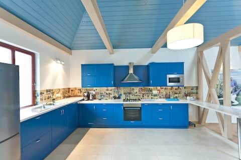 Irota EcoLodge Middle House