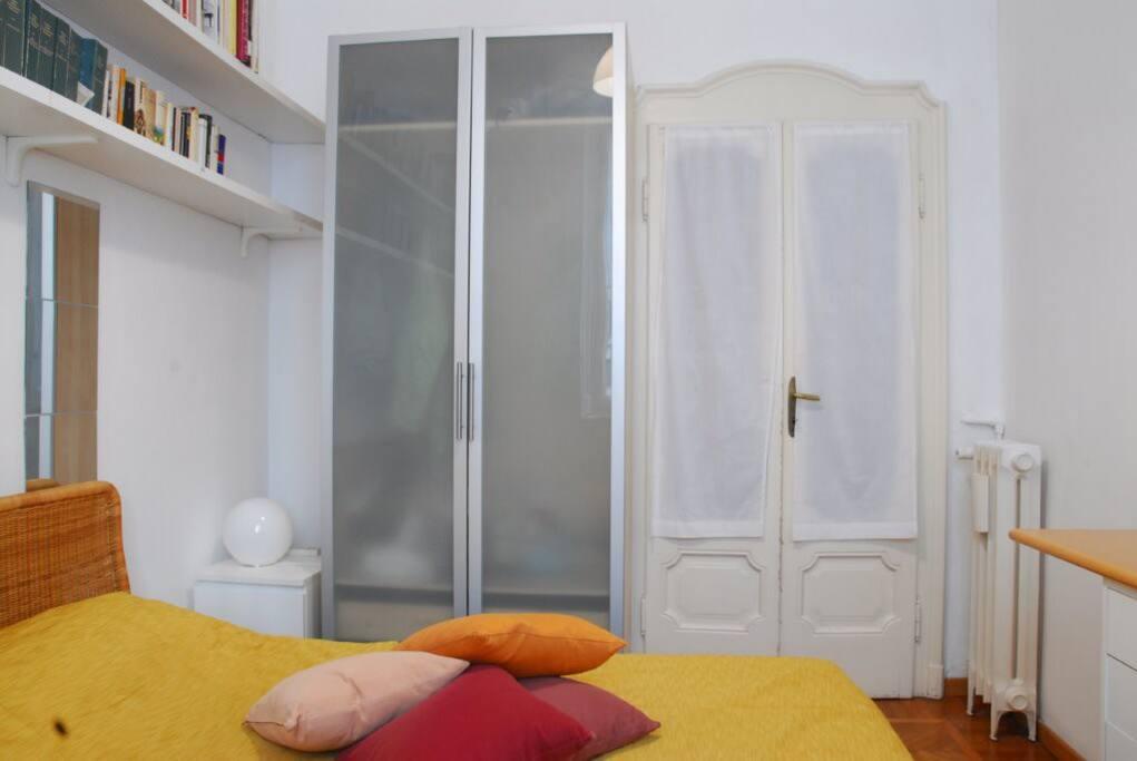 Camera doppia con armadio
