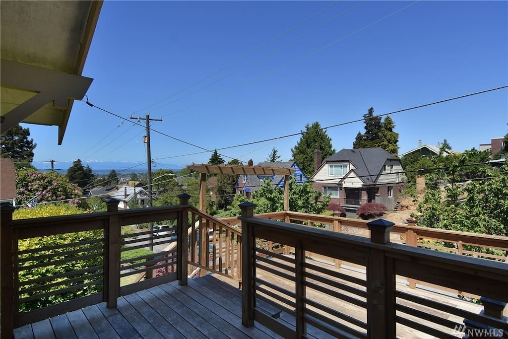 Olympic mountain view deck