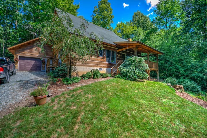Laurelwood Log Cabin - Serenity in the Mountains - Boone - 小木屋