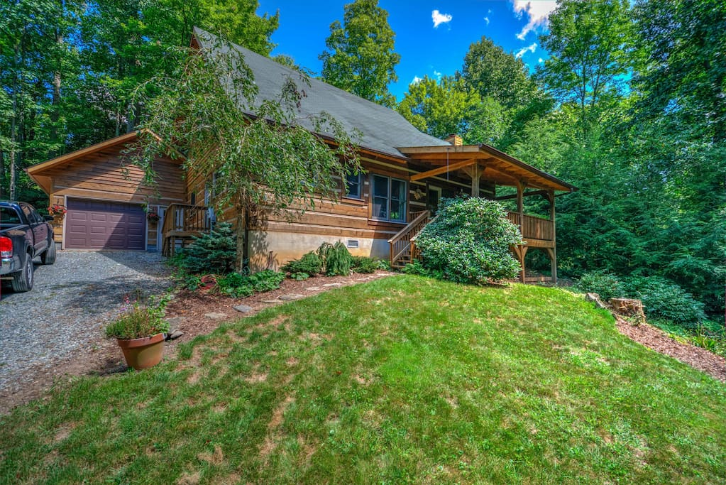 Laurelwood log cabin serenity in the mountains for Northeast ohio cabin rentals