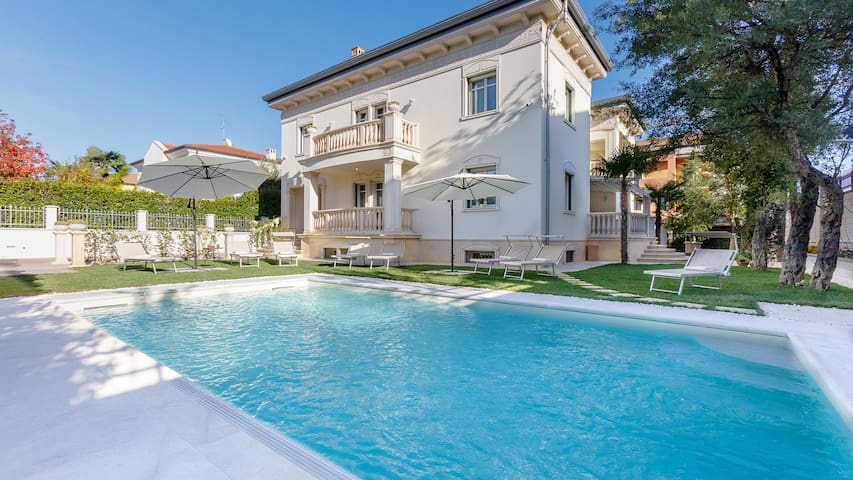 VILLA RENZA 9+2, Emma Villas Exclusive