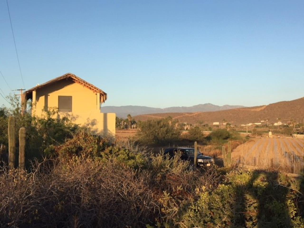 Casa Maravilla - Nestled in amongst Pescadero farmland and a 2 minute walk to Pescadero Beach