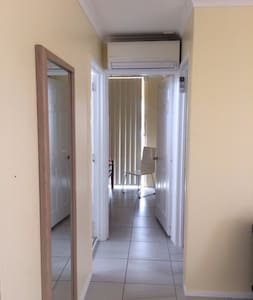 "Whole apartment Close to City the ""GABBA"" - East Brisbane - Квартира"