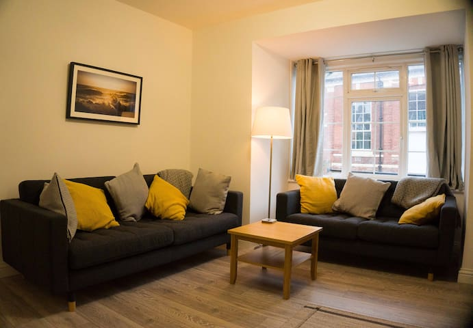 Exmouth Cottage -great location with own parking