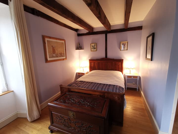 Papillon- (3 pers) B&B room at Le Moulin de Pensol