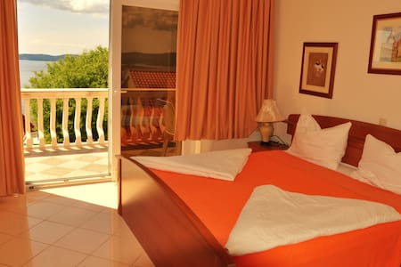 Triple room with sea view B & B - Postup