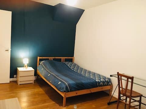Chambre dans une maison proche du centre (3)