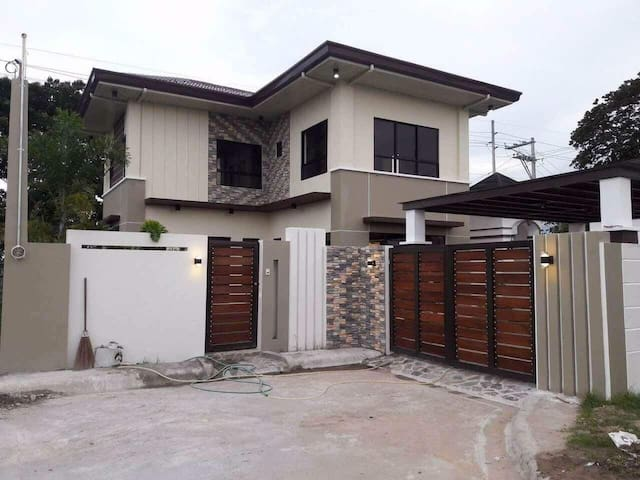 House at an exclusive subd near Clark & City Ctr