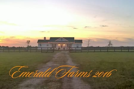 Quaint Barnhouse @horse farm/stalls avail - Hempstead