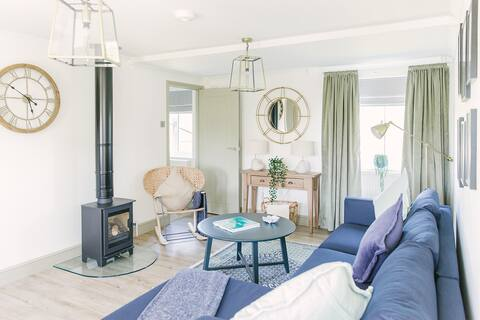 Stylish 2 bedroom Suffolk Lodge