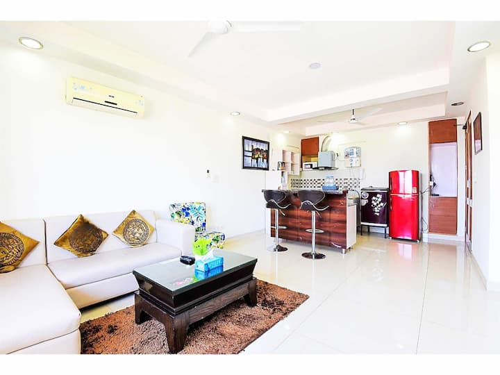 OLIVE Cozy 1 BR Apt @ Defence Colony Main Market