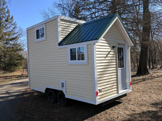 TinyHouse#2-Fayetteville/New River Great location!