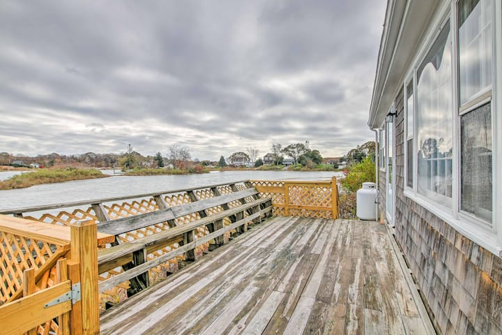 Narragansett Cottage w/ Pvt Dock & Outdoor Shower!