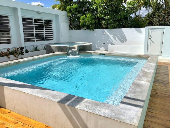 Caribbean Beach Home -OPEN outdoor pool & patio!!!