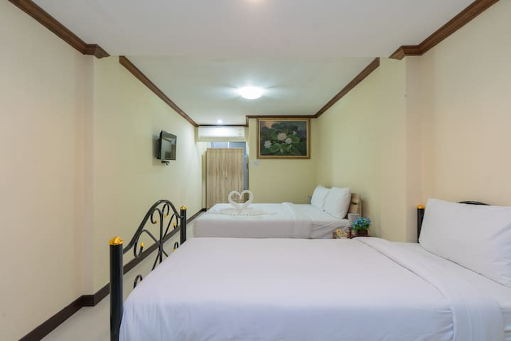 ♫#C TRIPLE room, quiet location, beach 5mn ♫