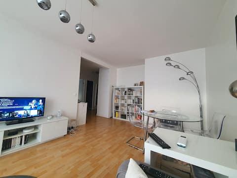Joli appartement T2 avec balcon , parking sur Caen