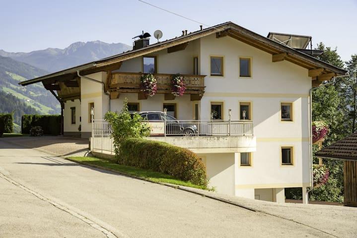 Haus Schwarzenberg, apartment Panorama, 93 m²