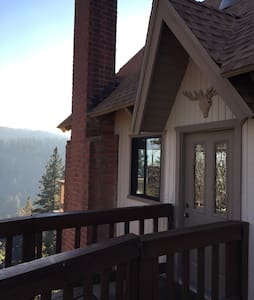 Stylish cabin with gorgeous views - Lake Arrowhead - Hus