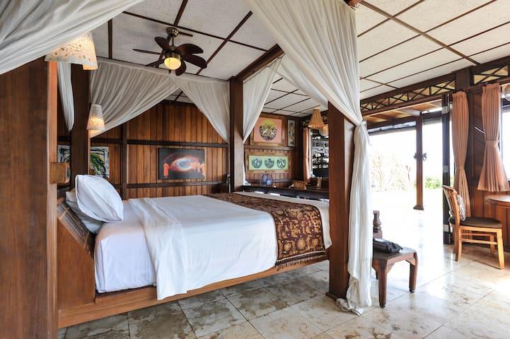 Ocean Front Mandala Suite East Bali - Karangasem - Rumah