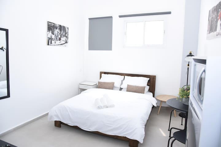 TLV  Luxurious boutique studio