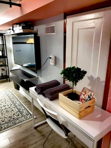 Basement Apartment- 3mins to Subway, 45+% off Mar!