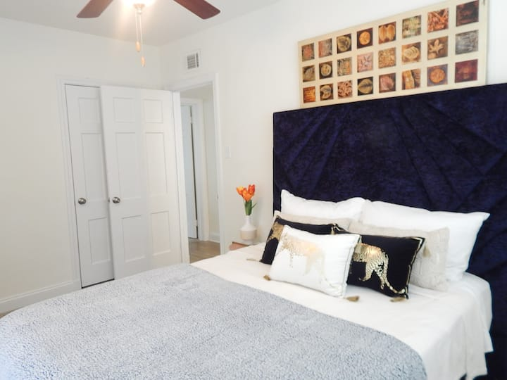 2 Bedroom-The Art Districts Jewel in CaryTown