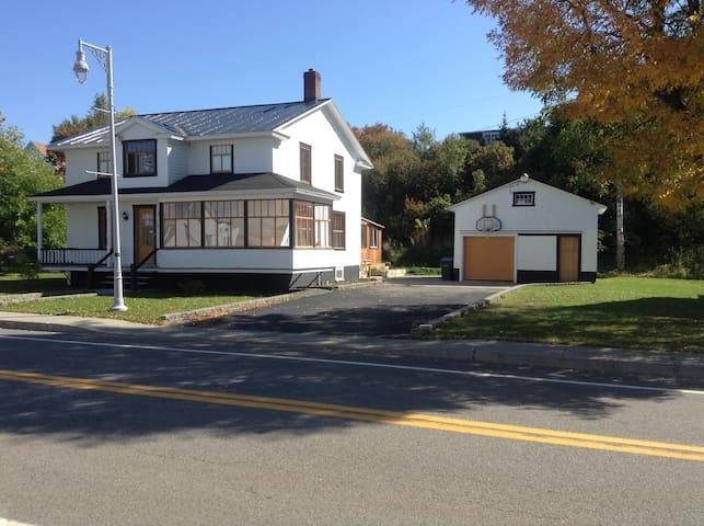 Chambre privée (une ou deux) - Maison Ancestrale