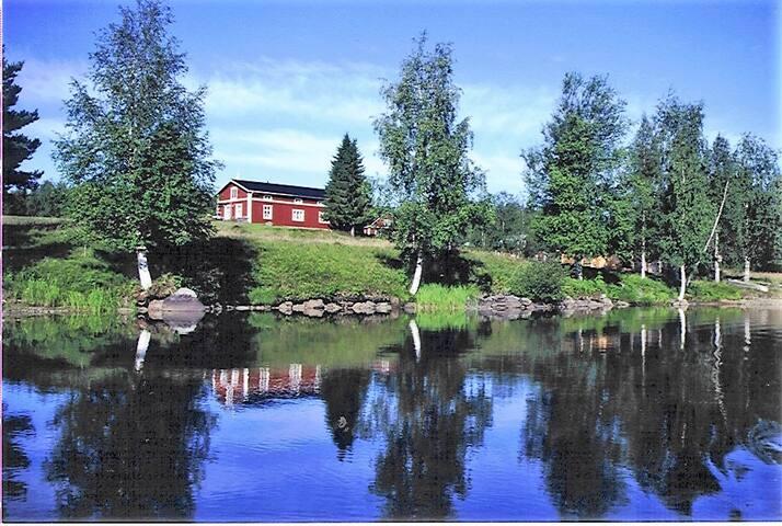 Haus am Fluss in Polarkreisnähe!