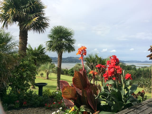 The view at Beaulieu will astound you! - Whangarei