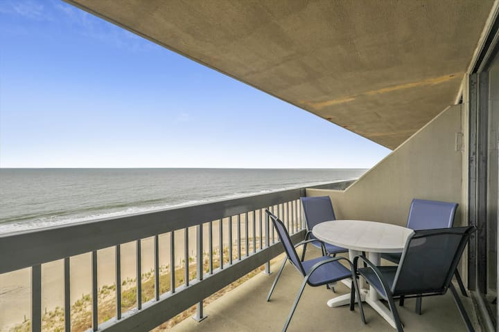 Century I 719 - Pool & Panoramic Ocean Views!