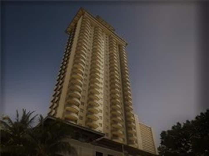 Waikiki Condo with Panoramic Views-30 Day Minimum