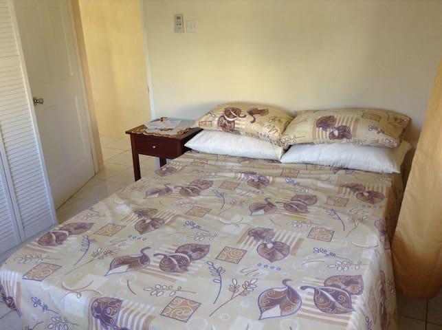 Bedroom - view 1