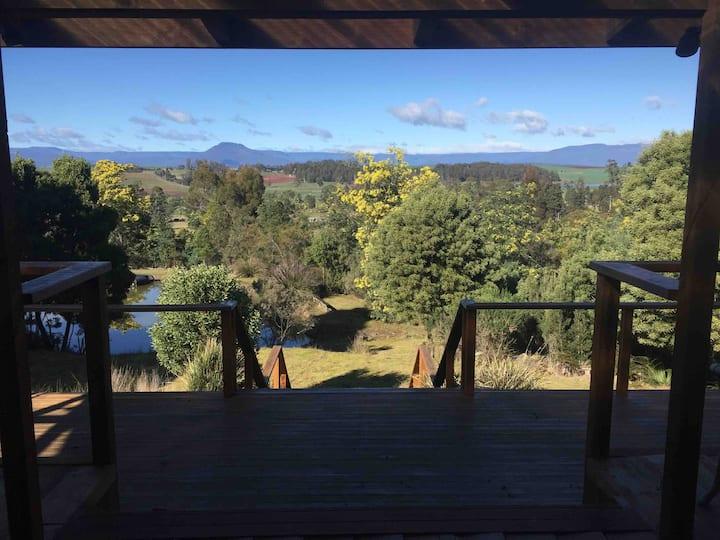 Gorgeous mountain views close to Deloraine