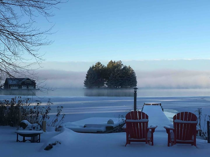 Winter at Huckleberry lakehouse Muskoka