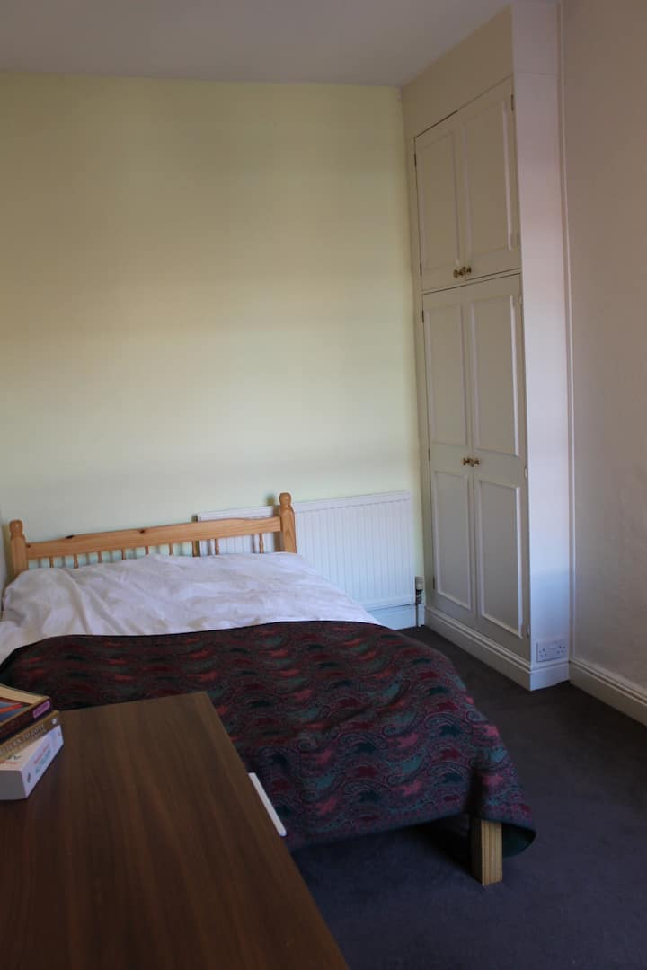 **Perfect for PLABS** -Double Room