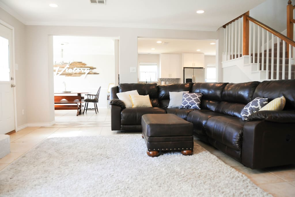 "Open living area with 48"" flatscreen tv with TiVo with available Netflix streaming"