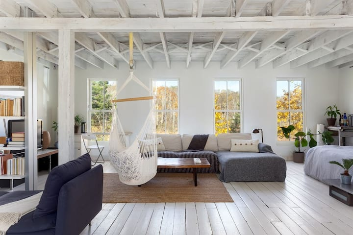 The Barn - Rustic Chic Loft, Hotchkiss, Lakes, Ski