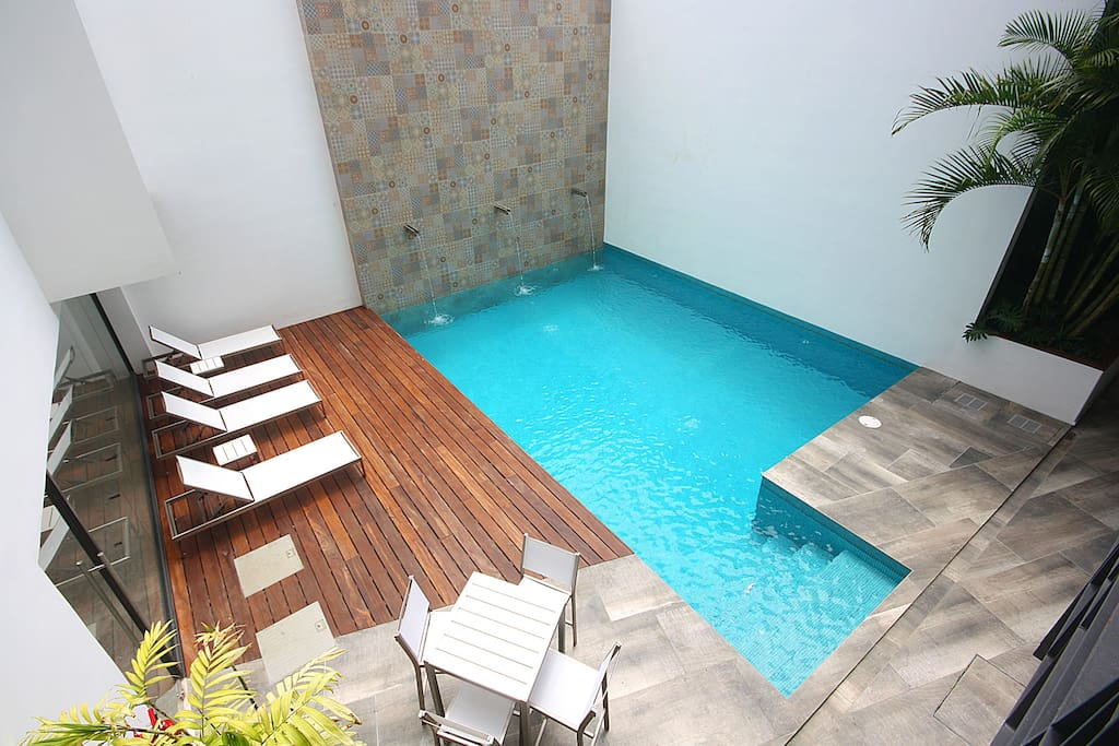 Other pool, isn't that amazing?