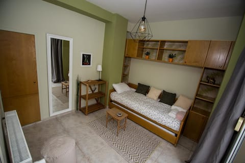 Private Room - Shared Apartment In The City Center