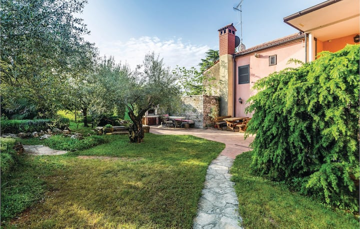 Nice home in Buje with WiFi and 1 Bedrooms