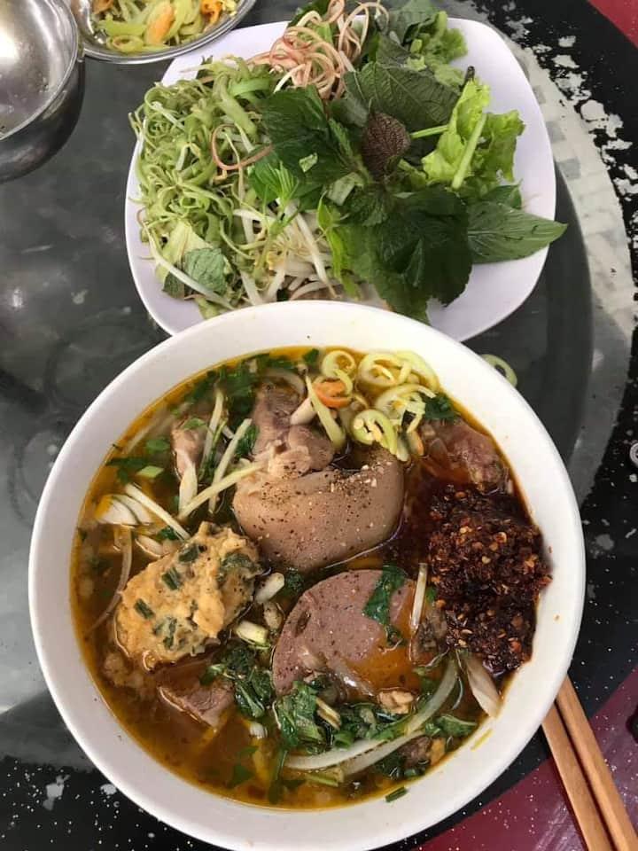 Bun Bo - spicy beef noodle soup