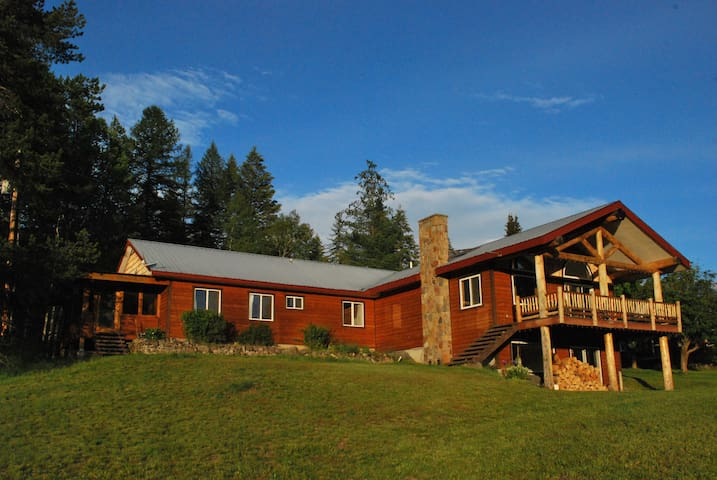Hidden Retreat, Near Glacier Park - Martin City - Talo