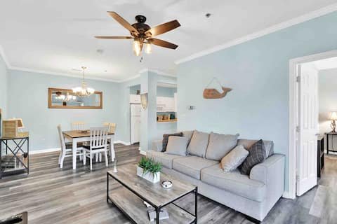 The Complete Condo - Close To Both Beaches!